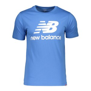 new-balance-essentials-stacked-logo-t-shirt-f52-782320-60-lifestyle_front.png