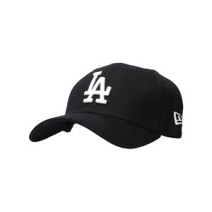 new-era-los-angeles-dodgers-39thirty-cap-schwarz-11405495-lifestyle_front.png