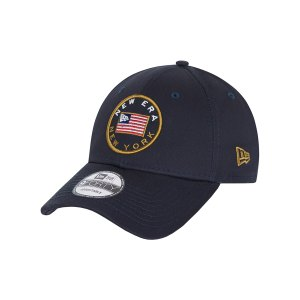new-era-us-flag-pack-9forty-cap-blau-60112659-lifestyle_front.png