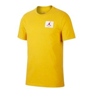 nike-flight-essentials-crew-t-shirt-gelb-f711-cz5059-lifestyle_front.png