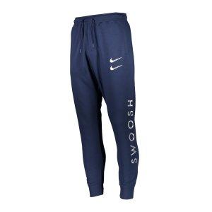 nike-swoosh-jogginghose-blau-f410-dc2584-lifestyle_front.png