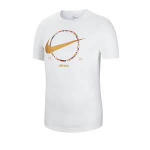 nike-swoosh-preheat-tee-t-shirt-weiss-f100-ct6871-lifestyle.png