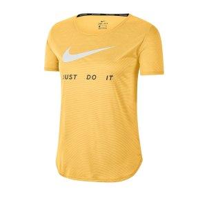 nike-swoosh-t-shirt-running-damen-gelb-f795-cj1970-laufbekleidung.png