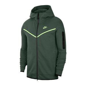 nike-tech-fleece-windrunner-gruen-f337-cu4489-lifestyle_front.png