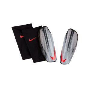 nike-protegga-attack-elite-schienbeinschoner-f070-equipment-schienbeinschoner-equipment-sp2108.png