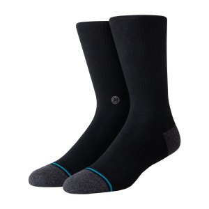 stance-staples-icon-st-200-socken-schwarz-a546a20is2-lifestyle_front.png