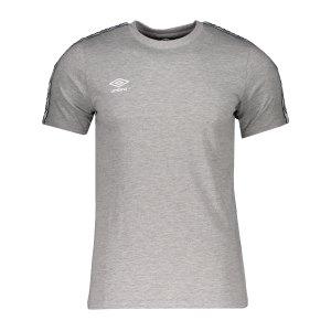 umbro-fw-taped-t-shirt-grau-f263-65777u-lifestyle_front.png