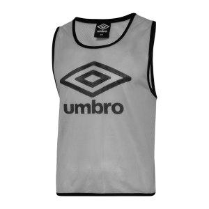umbro-training-bib-kennzeichnungshemd-grau-fdst-umtm0460-equipment_front.png